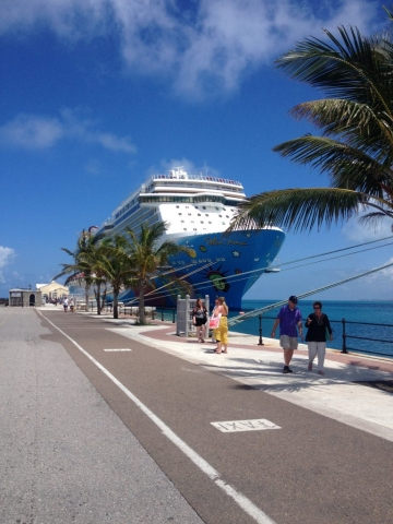Norwegian Breakaway ship Bermuda