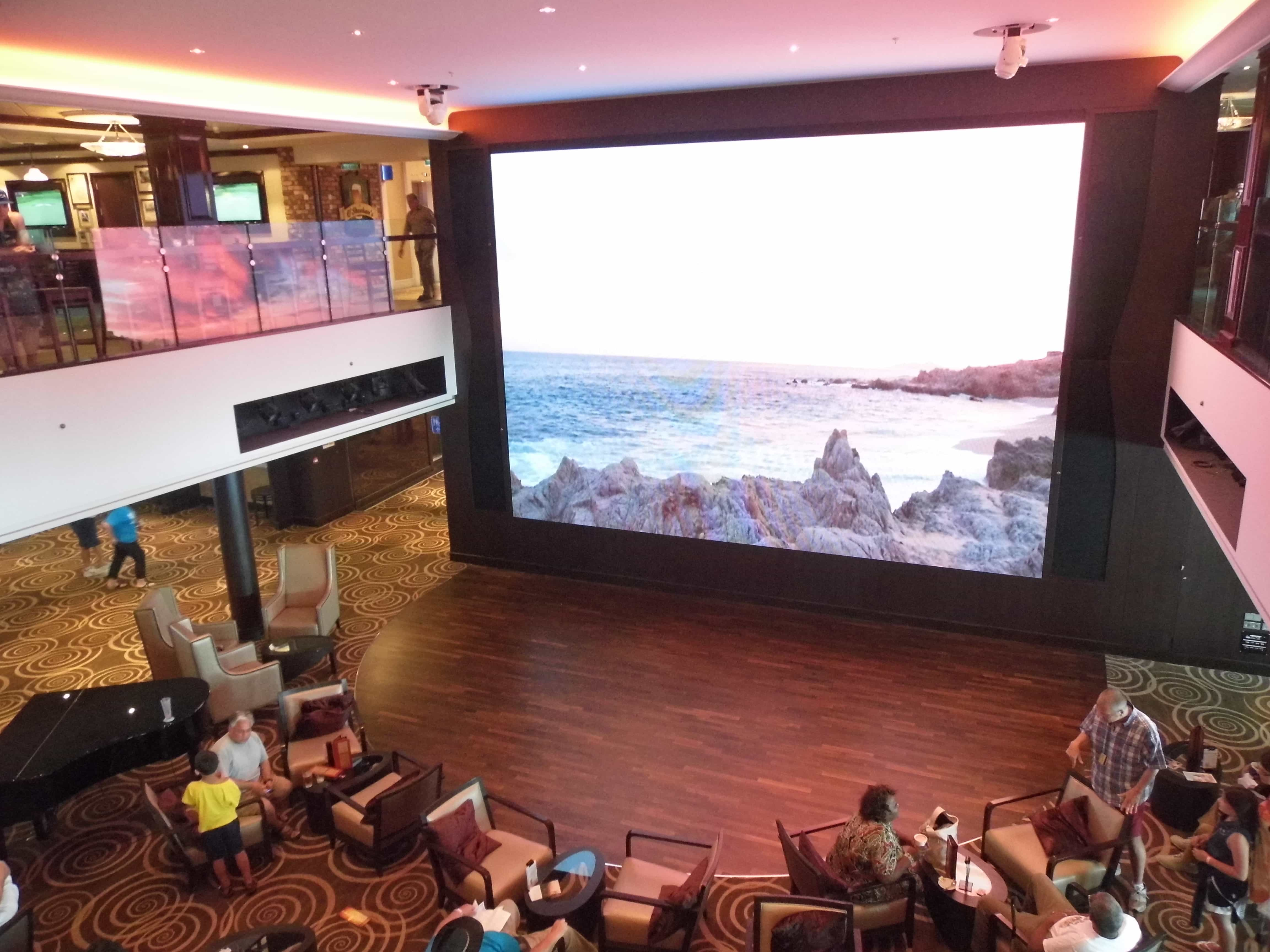Norwegian breakaway atrium screen