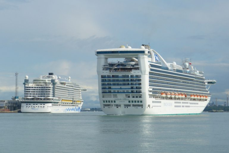 big small cruise ship
