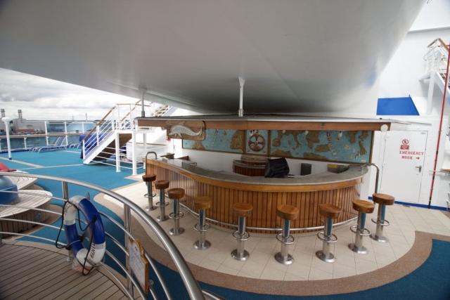 Caribbean Princess - Pool Bar Drinks aft