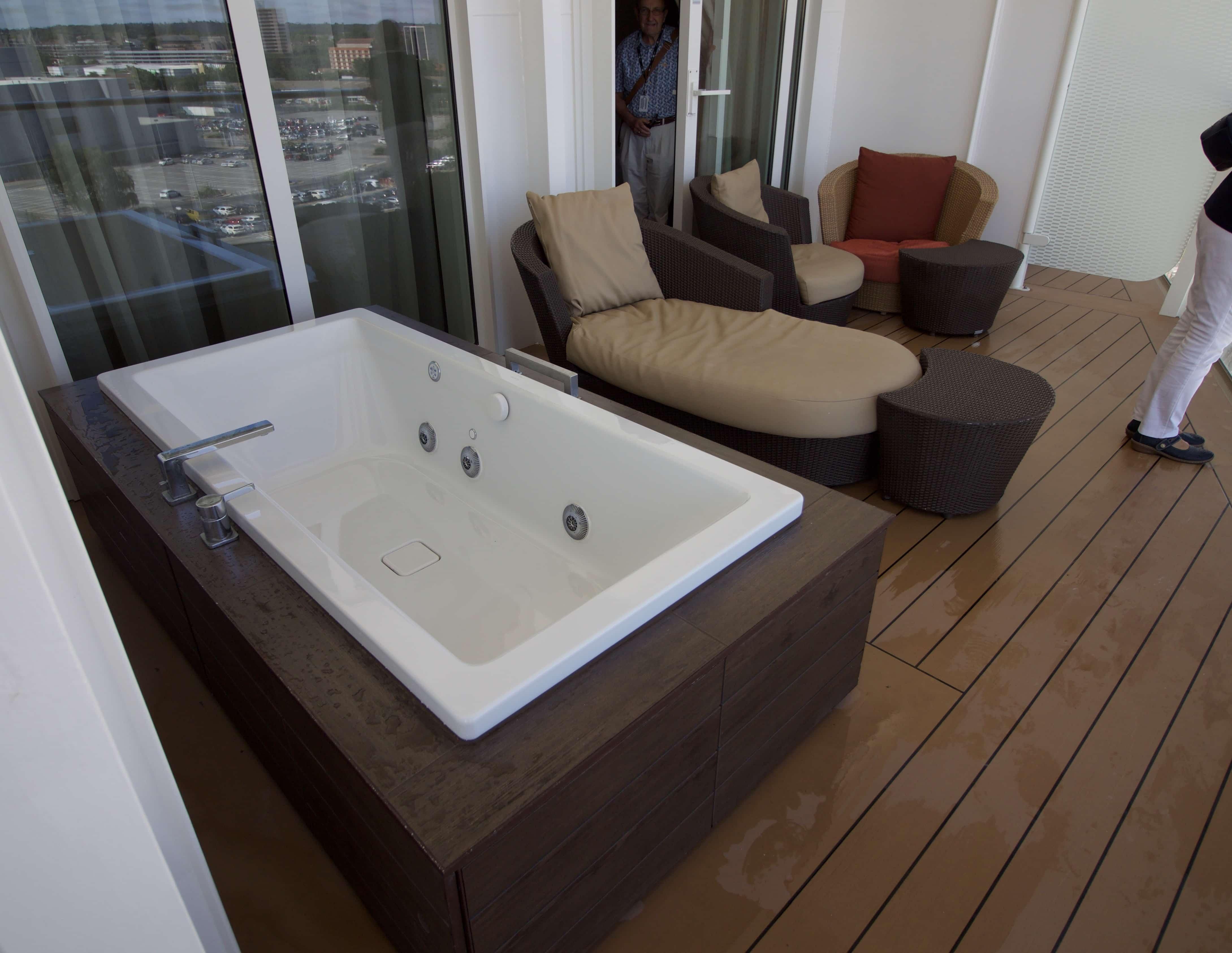 Celebrity Eclipse - Penthouse suite whirlpool jacuzzi balcony
