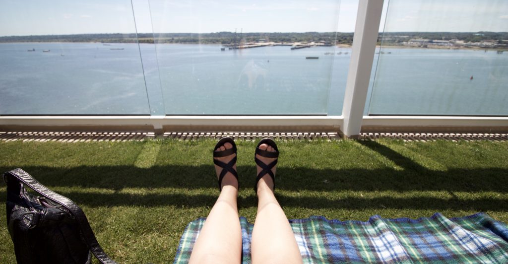 celebrity eclipse lawn club sea
