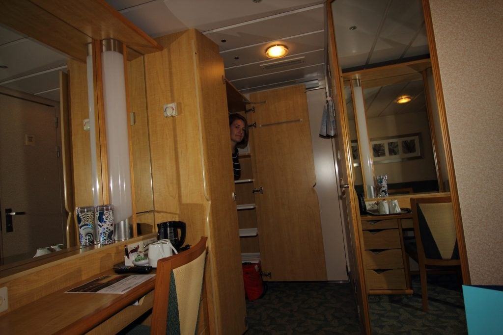 independence of the seas inside cabin wardrobe