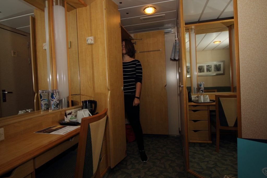 independence of the seas inside cabin wardrobe royal caribbean cruise