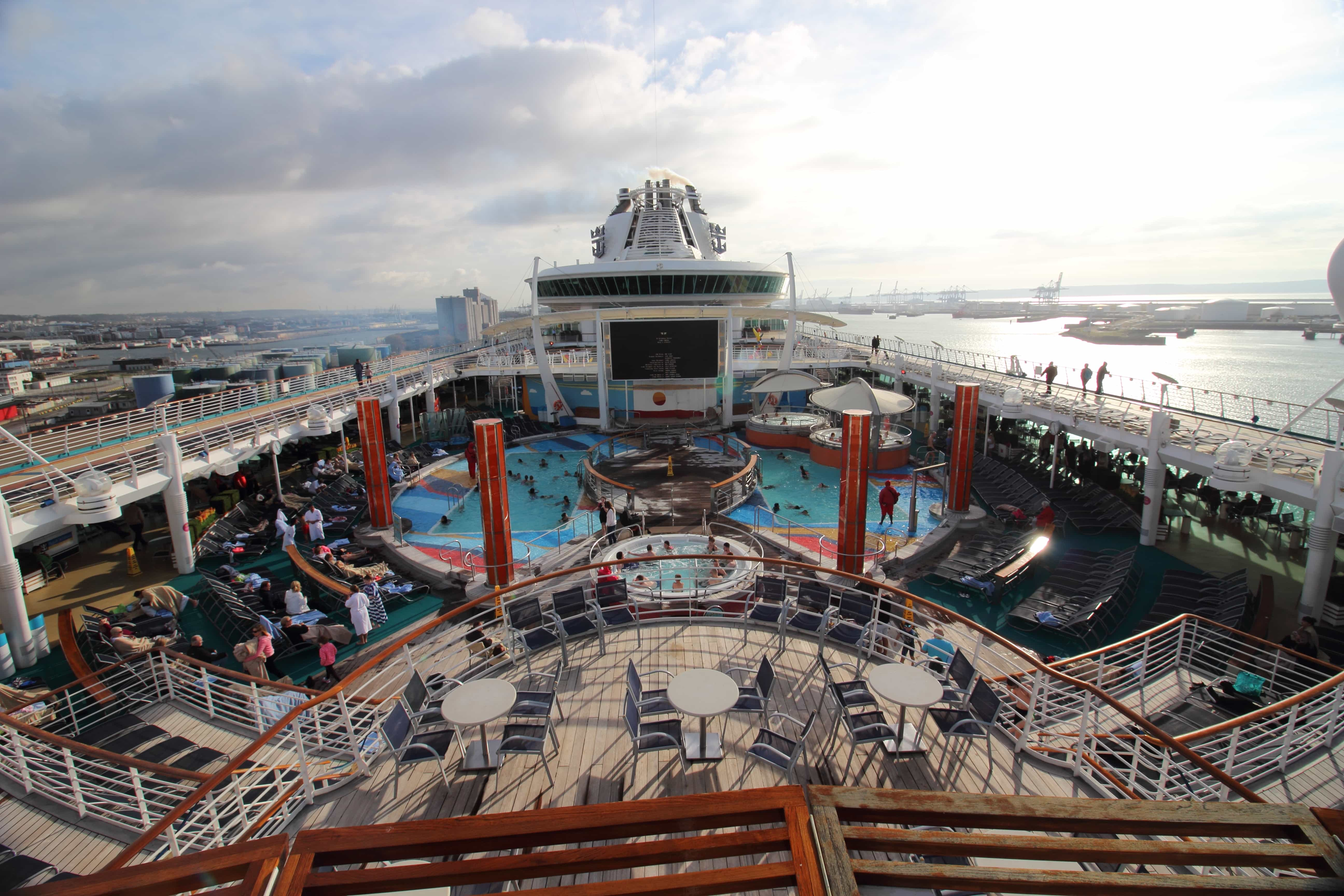 royal caribbean independence of the seas top deck pools tv screen