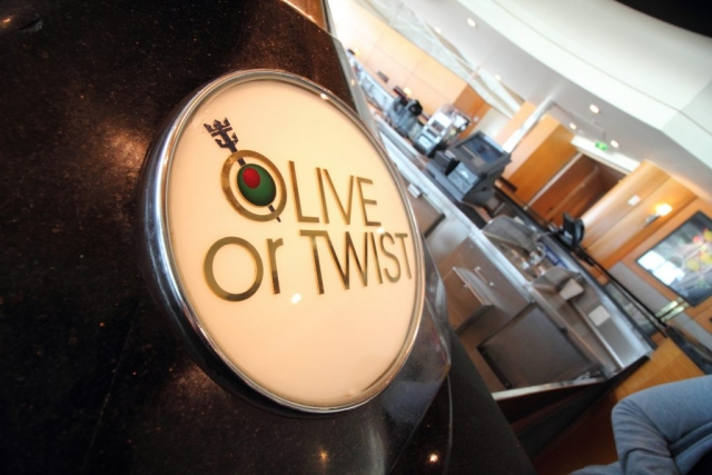 royal caribbean independence of the seas olive or twist sign