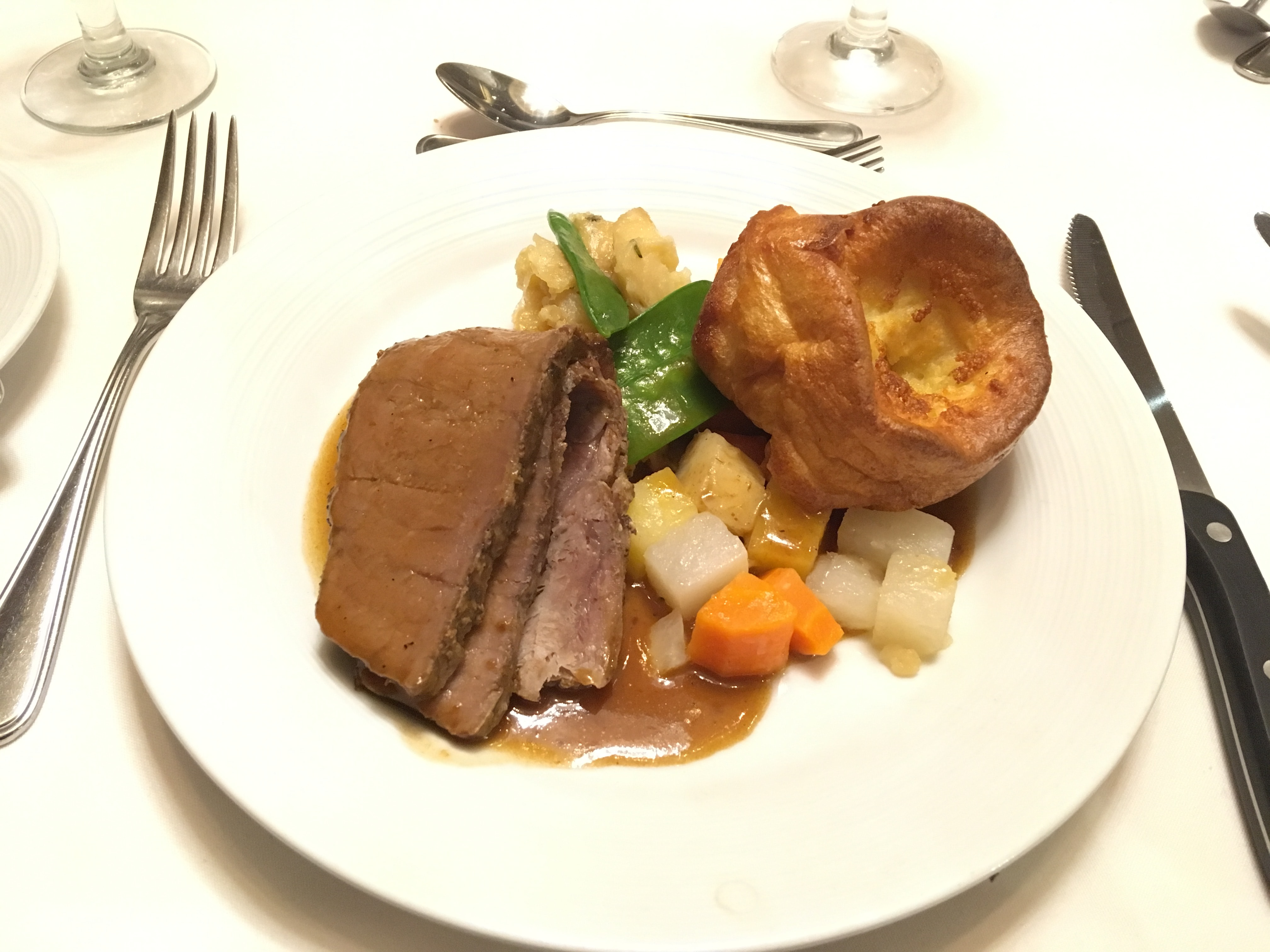 royal caribbean independence of the seas roast beef dinner main dining room