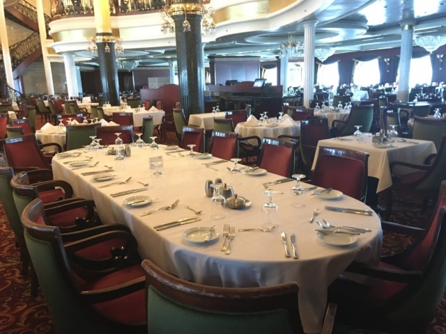 royal caribbean independence of the seas main dining room