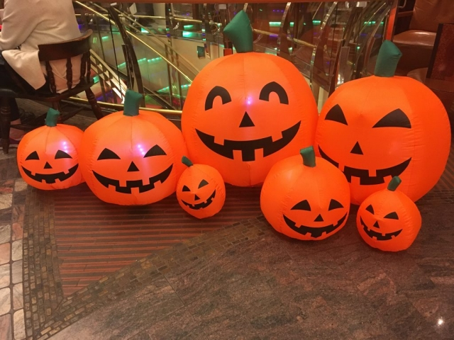 royal caribbean independence of the seas halloween decorations