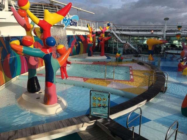 royal caribbean independence of the seas h20 zone kids children splash