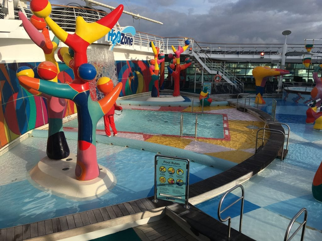 independence of the seas top deck splash zone kids children waterpark