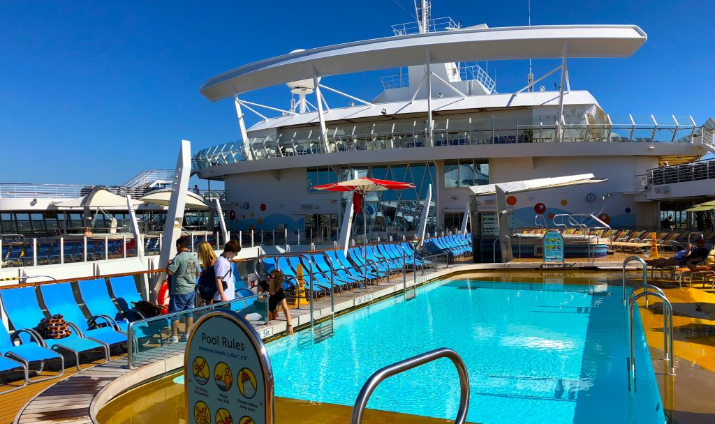 oasis of the seas swimming pool top deck