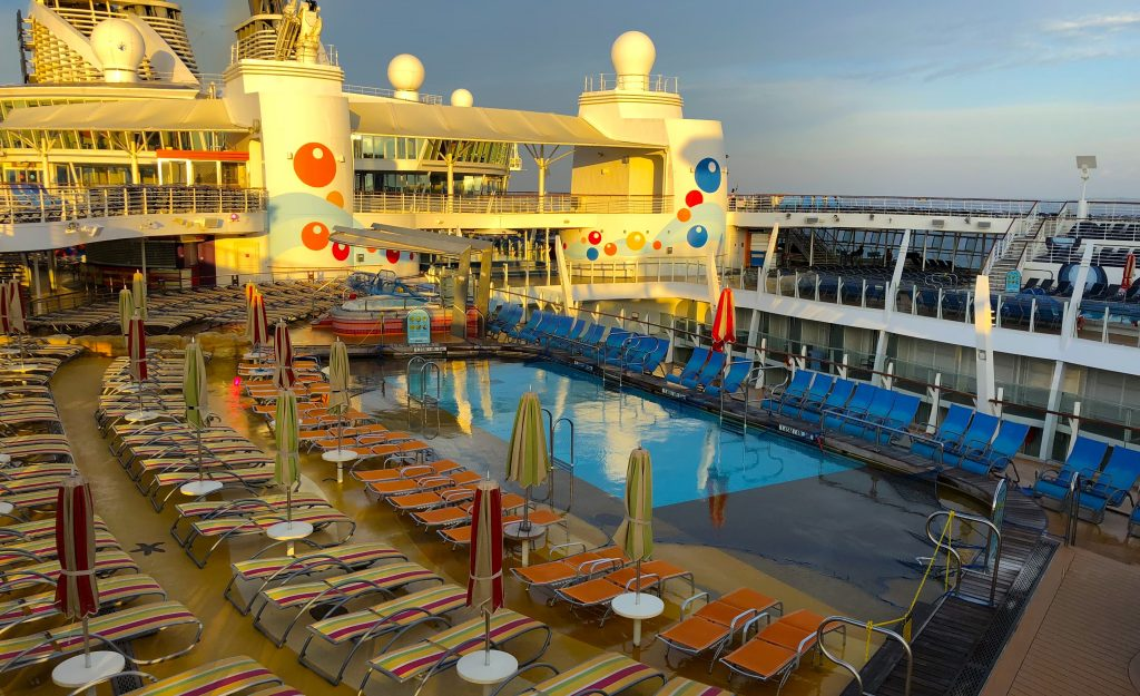 oasis of the seas top deck swimming pools sun loungers