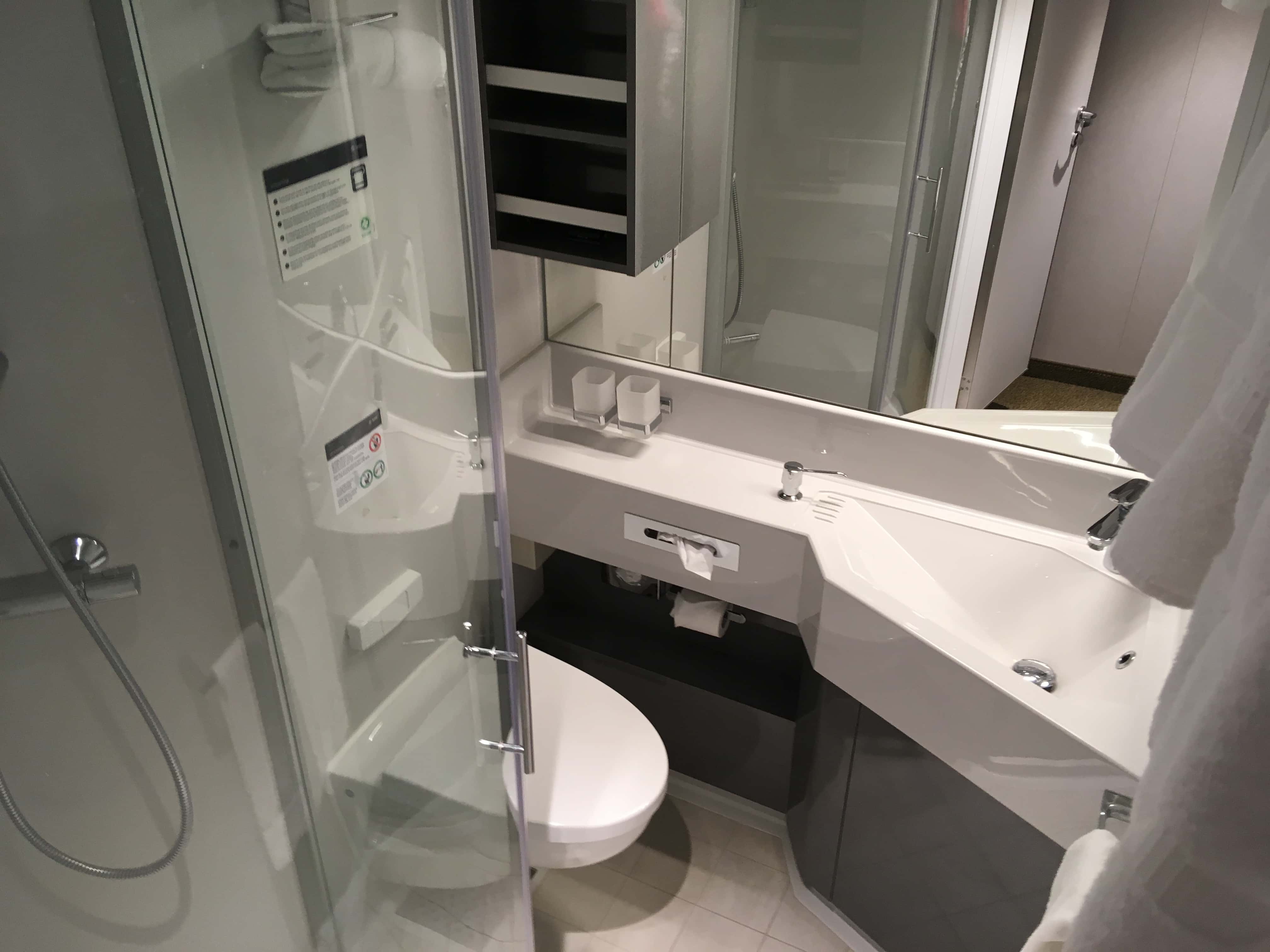 msc meraviglia bathroom inside cabin