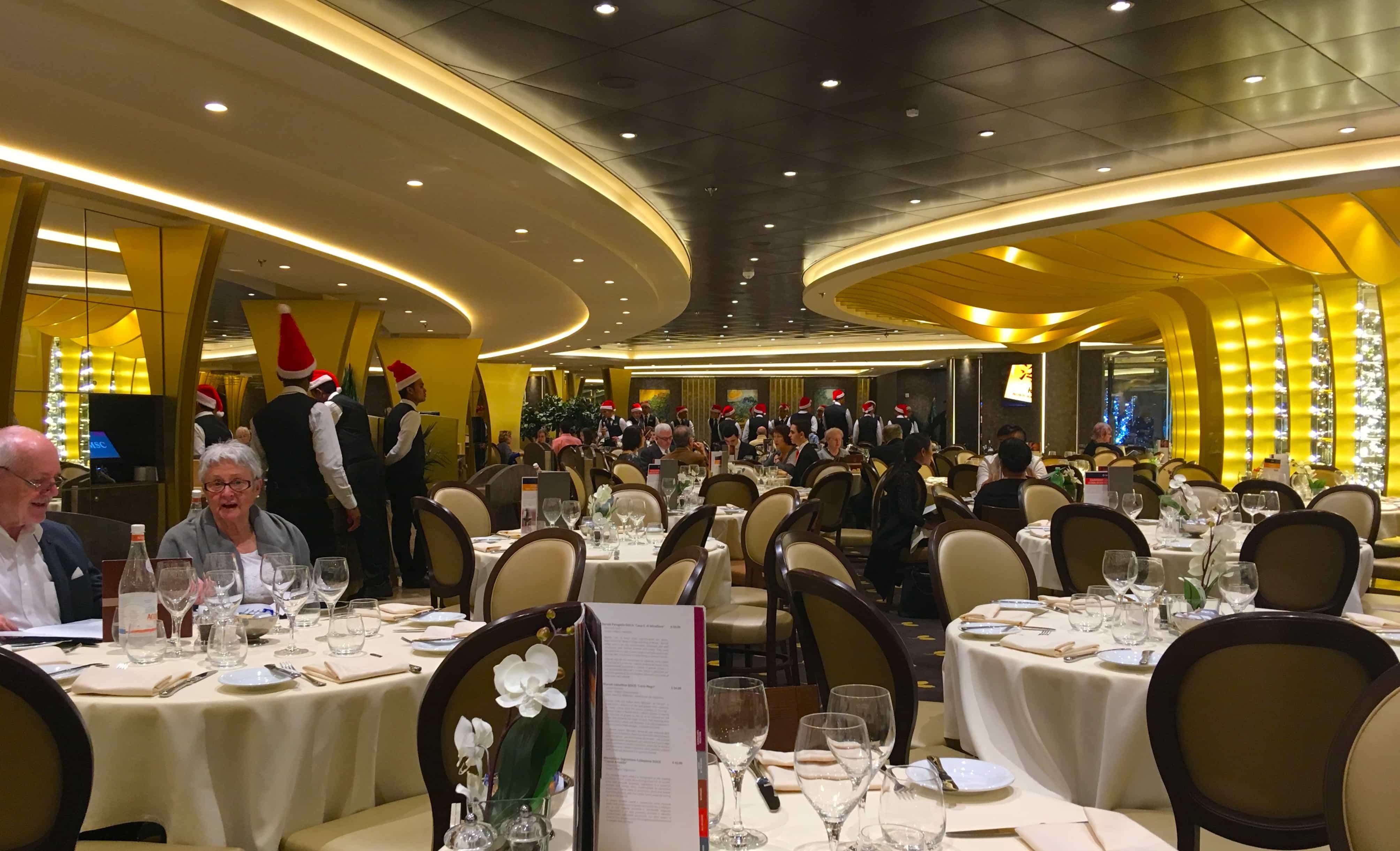msc meraviglia main dining room