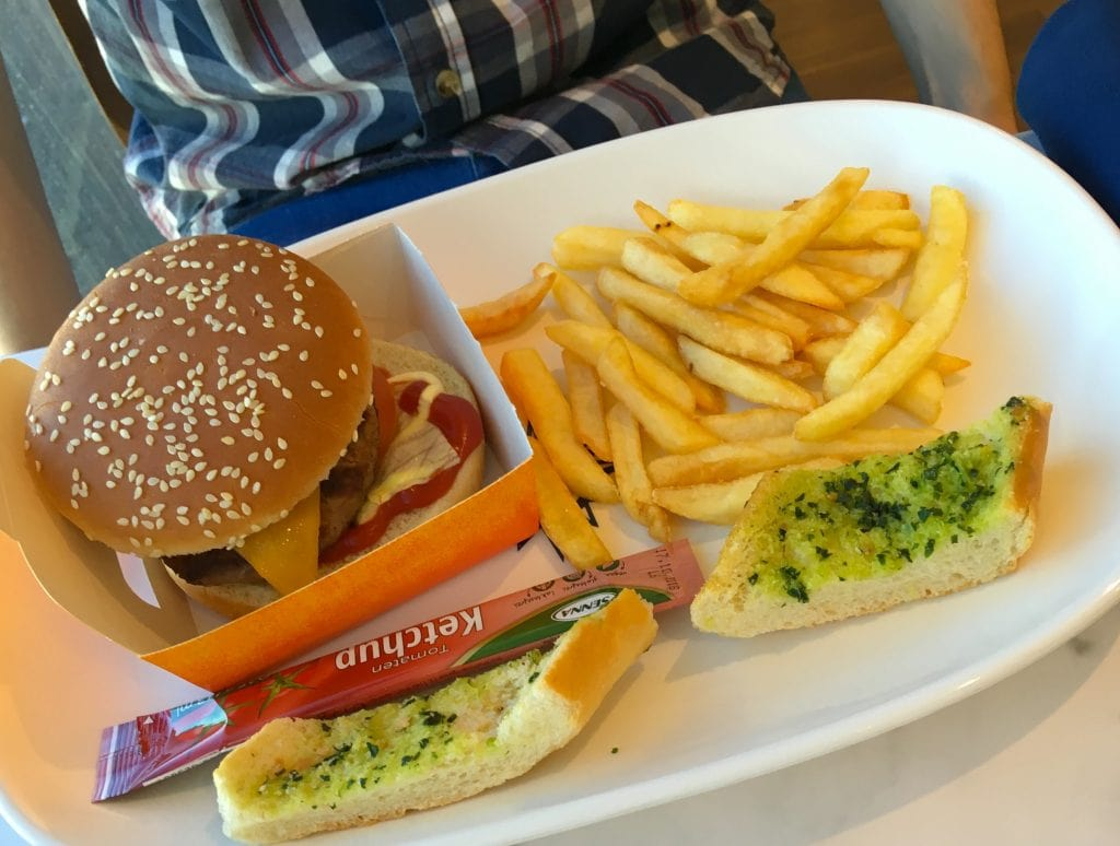 msc meraviglia food burger chips fries garlic bread buffet