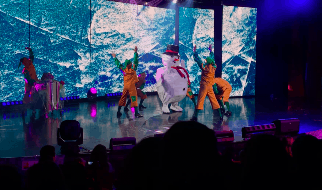 msc meraviglia christmas show snowmen elves