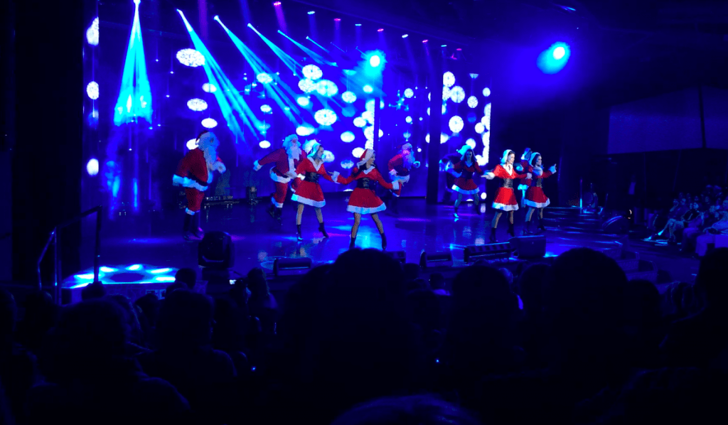 msc meraviglia christmas show santa dancing