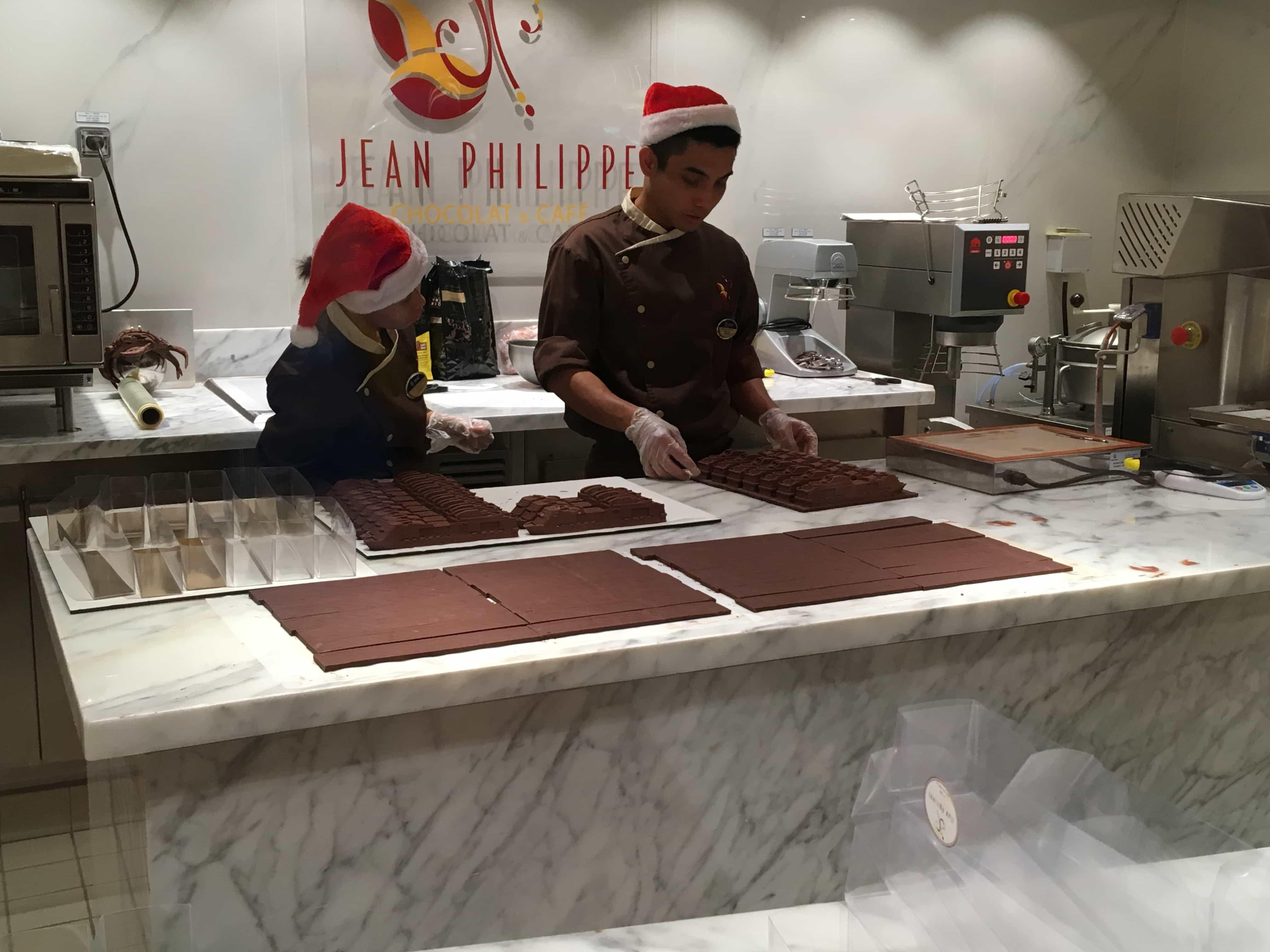 msc meraviglia chocolate shop cruise ship christmas hats jean