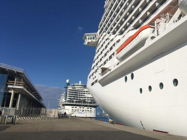 msc meraviglia aida perla cruise ships behind each other
