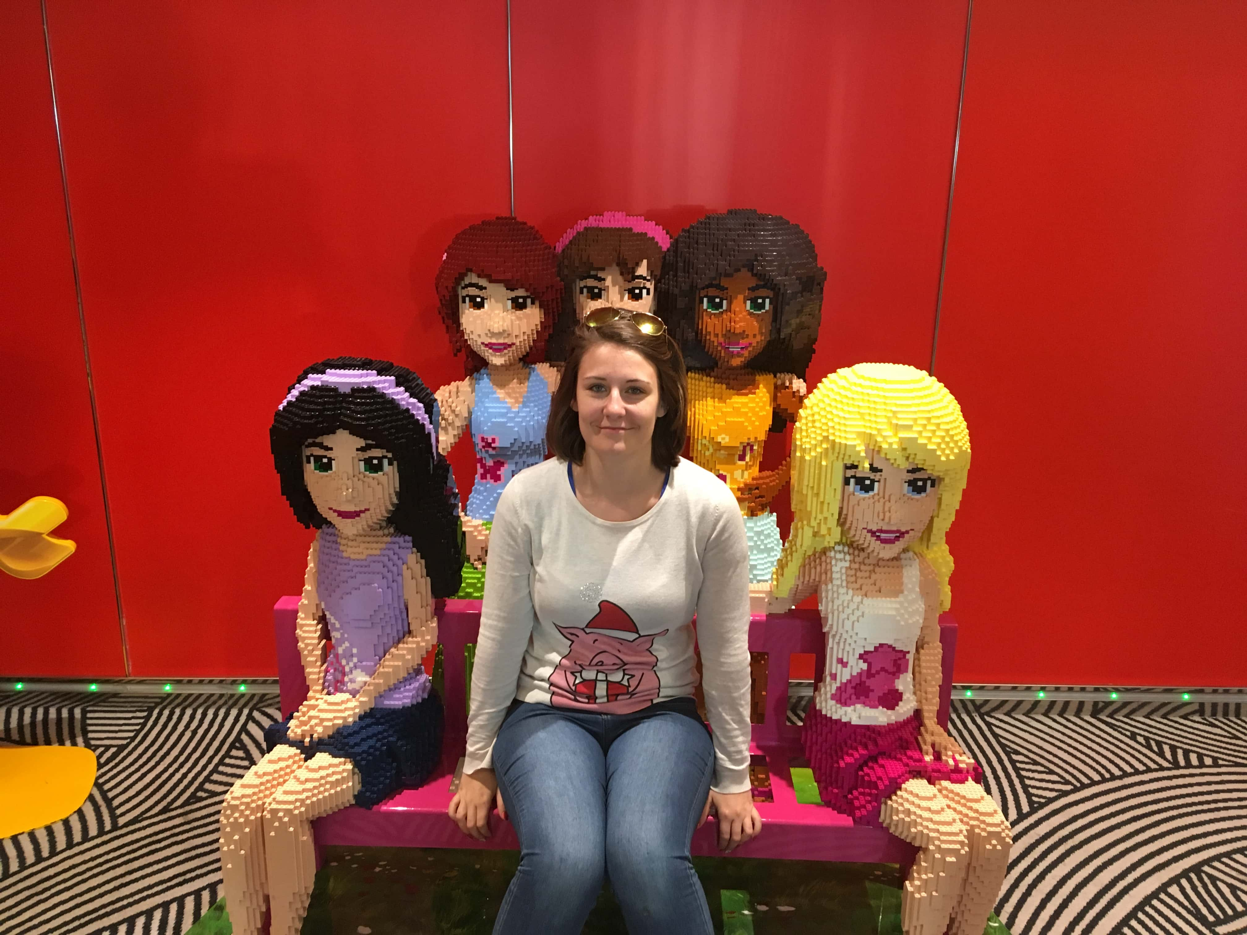 msc meraviglia lego friends sculpture people