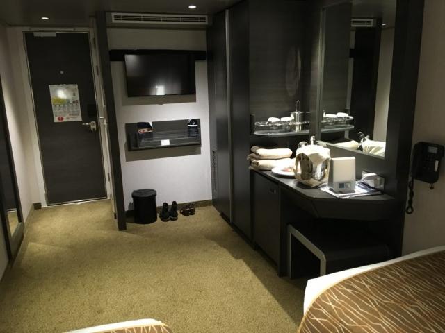 msc meraviglia inside cabin tv wine wardrobe