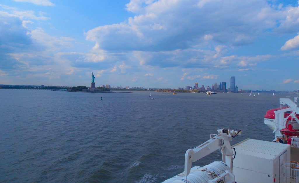new york harbour harbor cruise view