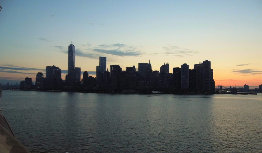 new york city skyline sail away sillouette