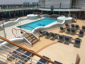 golden princess top deck swimming pool