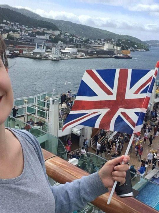 p&o britannia sail away party union jack flag