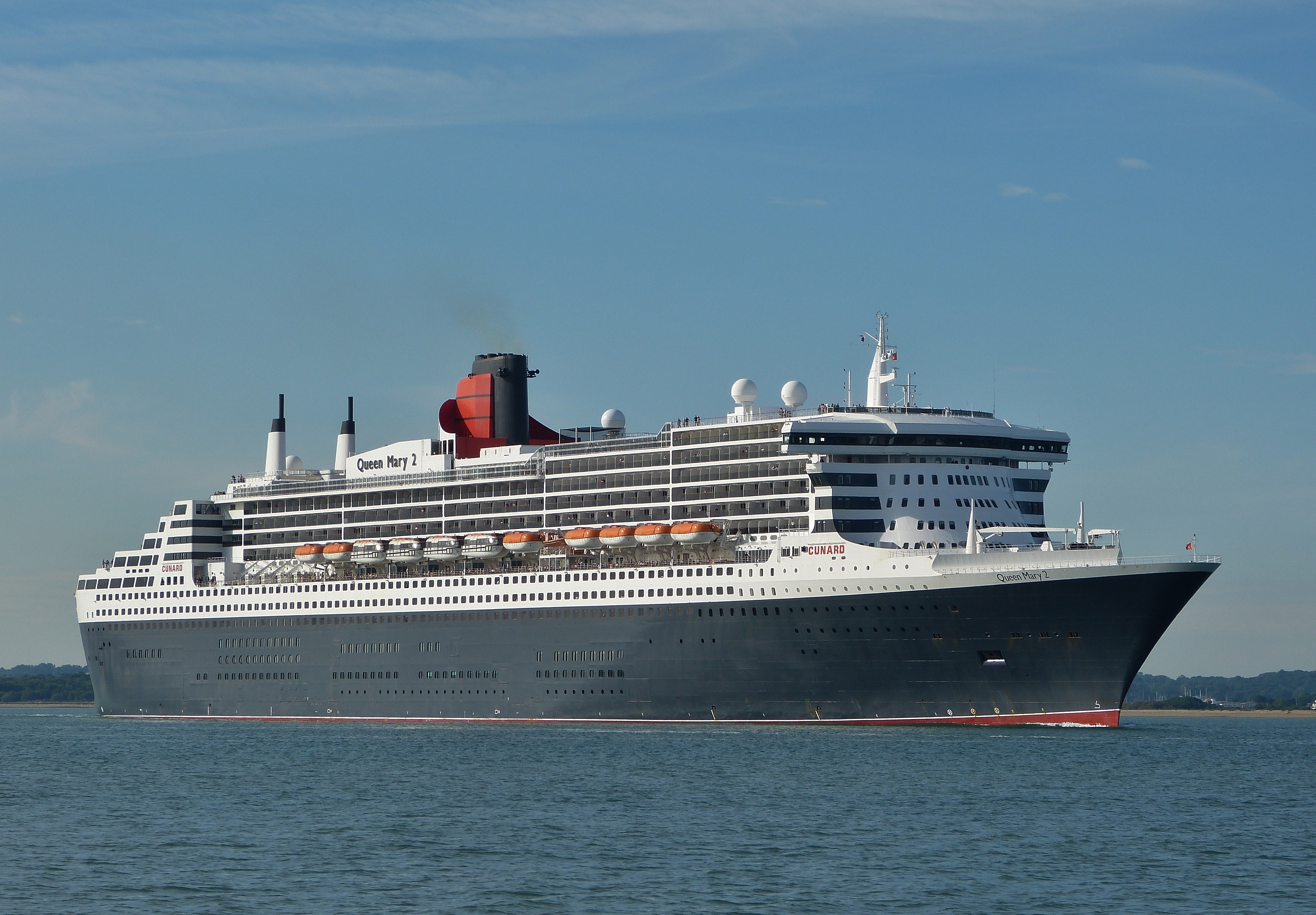 Calshot southampton cruise ship queen mary 2