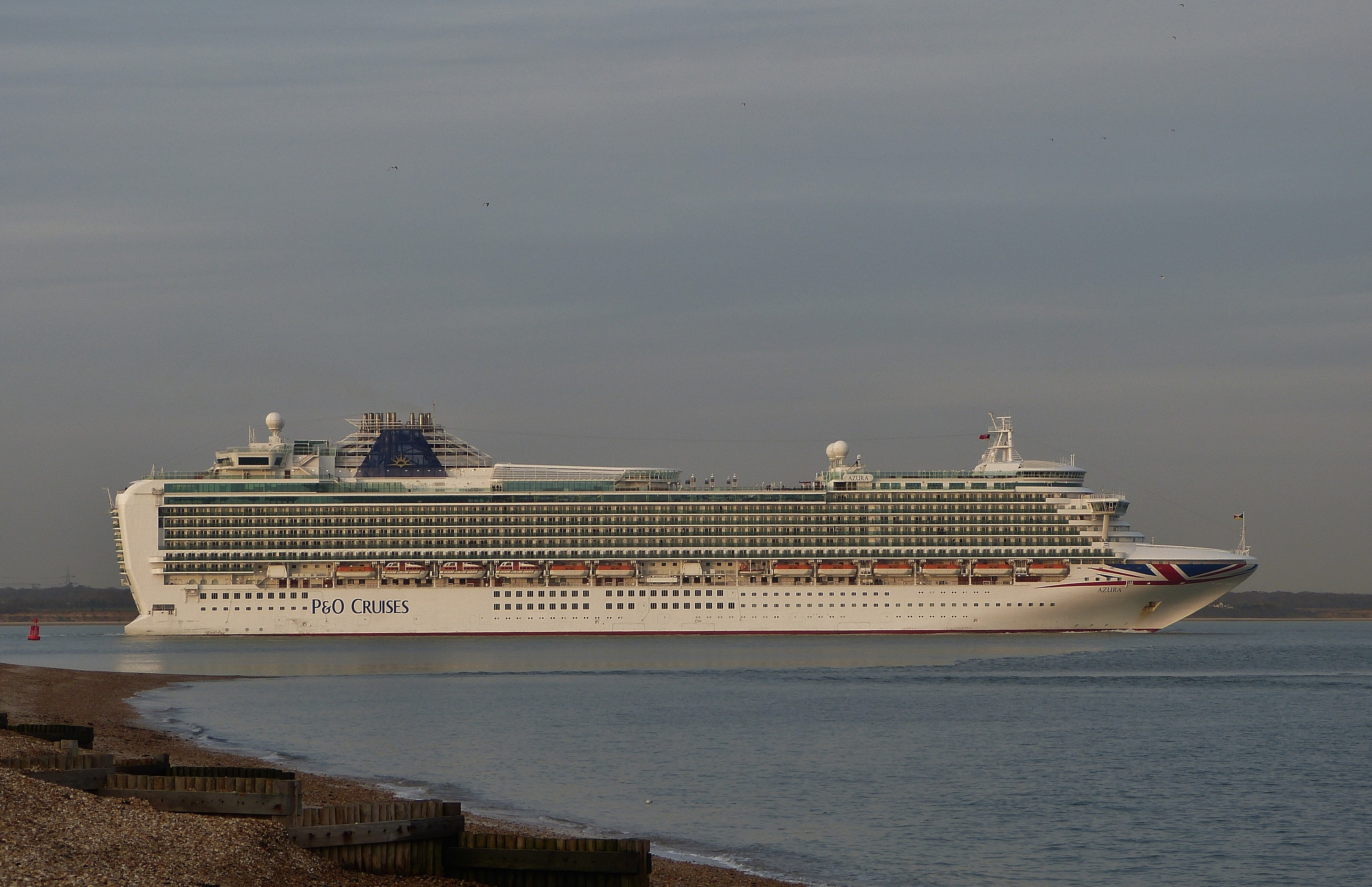 Calshot southampton cruise ship azura p&o