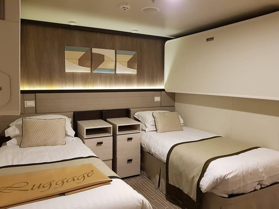 inside cabin britannia pullman beds 4 sharing twin beds ceiling