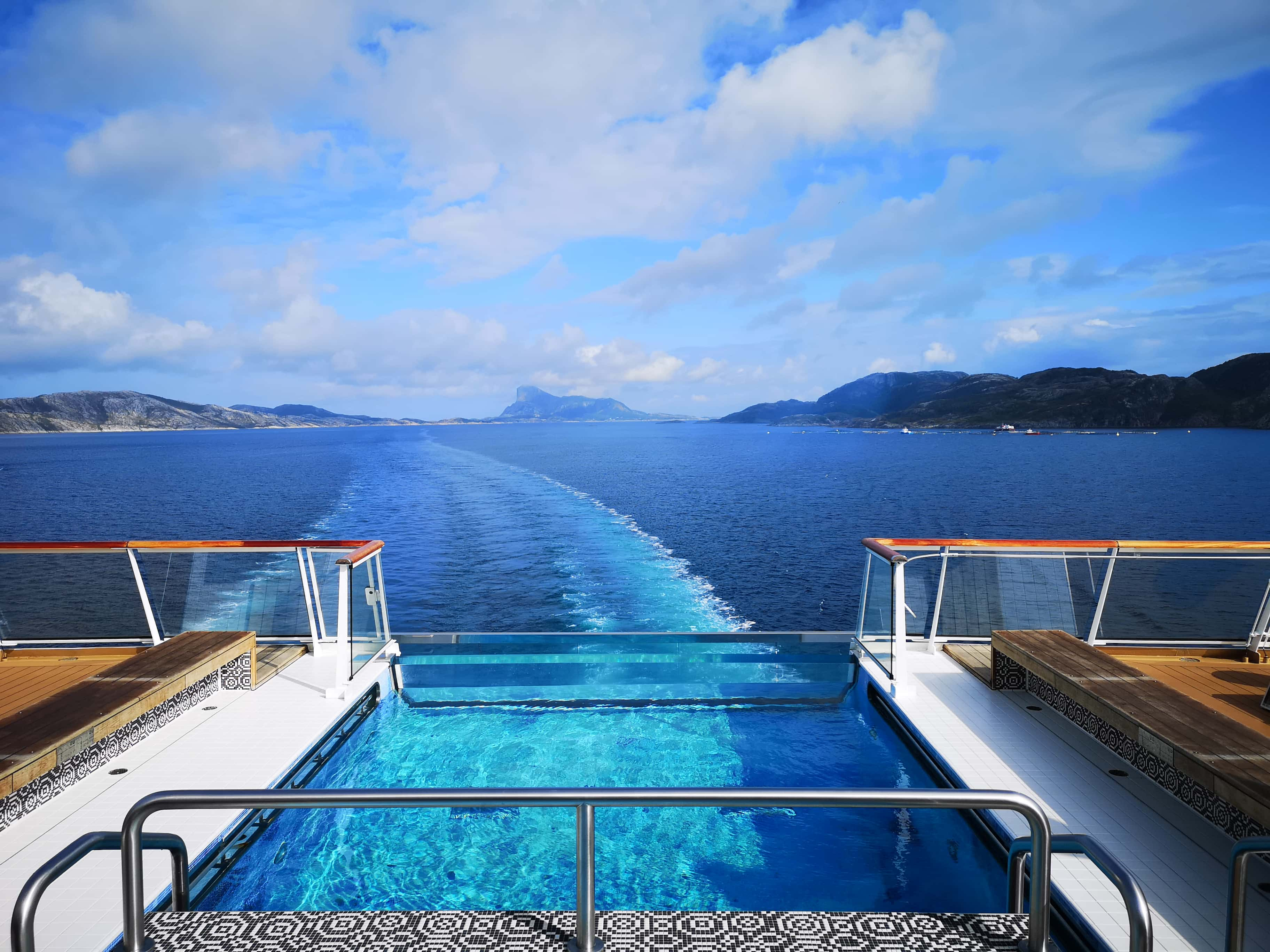 Viking Cruises Sea - Infinity Pool View of Ocean Norway
