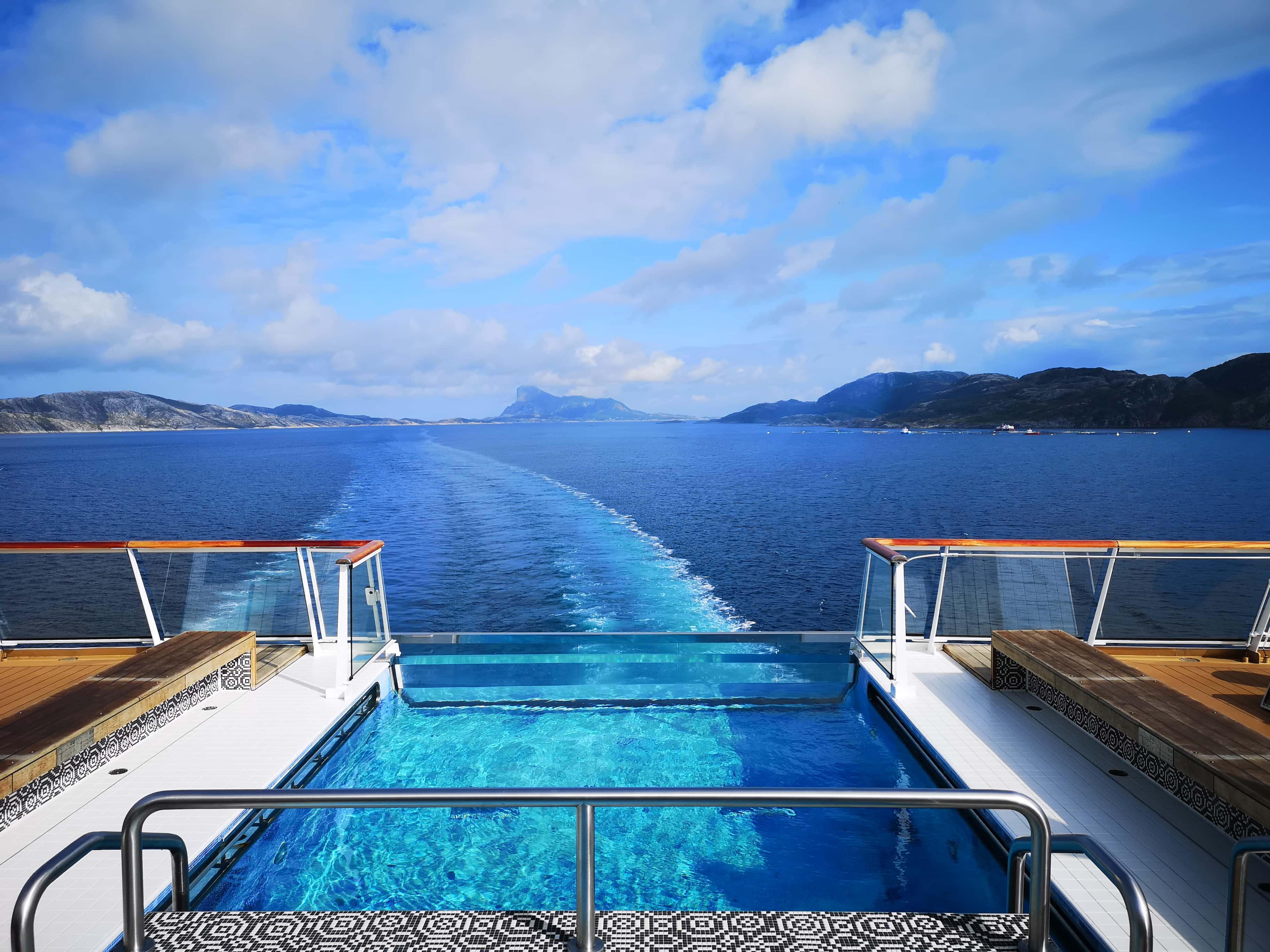 Viking Cruises Sea - Infinity Pool View of Ocean Norway
