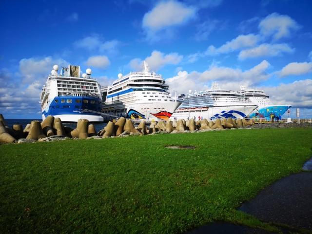 Marella Discovery AidaMar Sapphire Princess Norwegian Breakaway 4 cruise ships in a line Tallinn Estonia