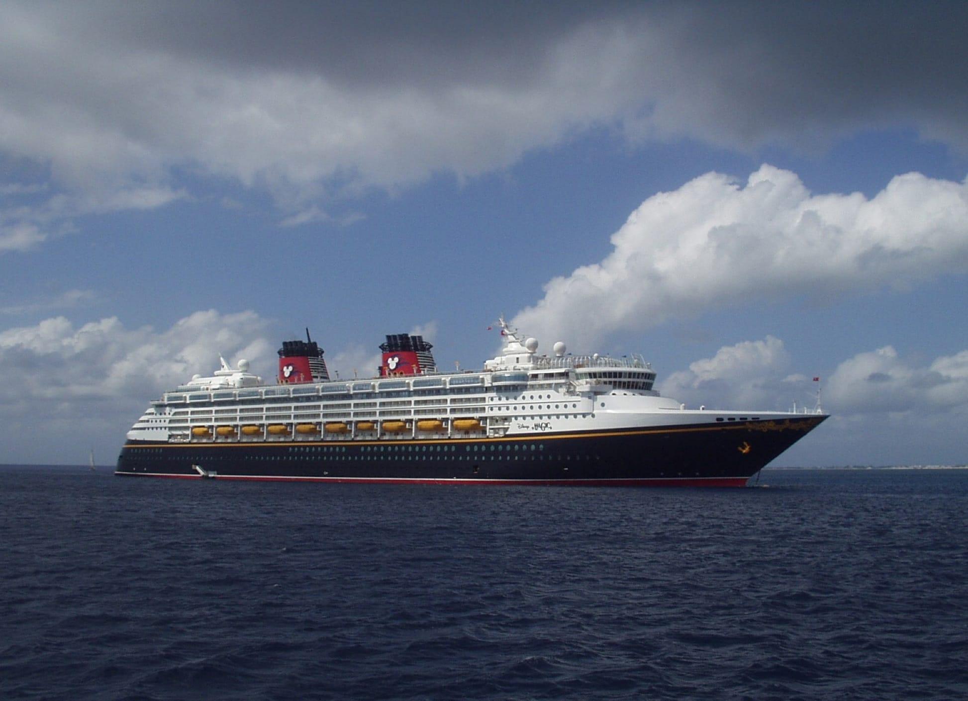 Disney Cruise Line Disney Magic Cruise Ship