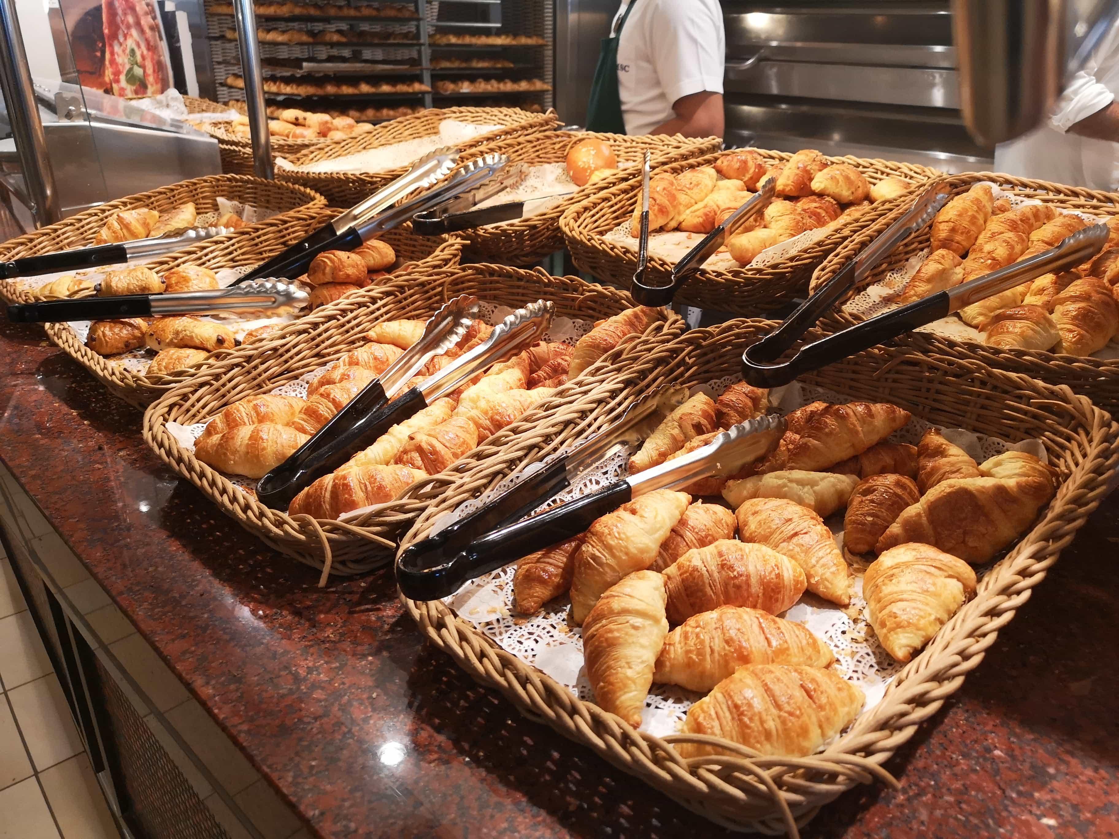 Msc meraviglia buffet pastries