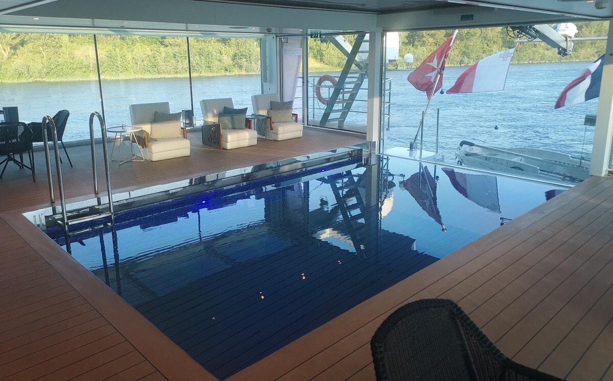 Emerald Waterways Star Ships Liberte Swimming Pool