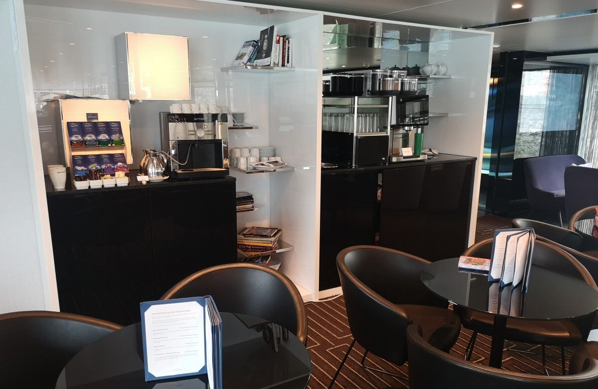 Emerald Waterways Lounge Tea and Coffee Machine