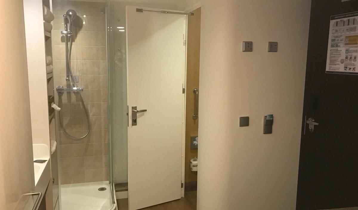 Norwegian Cruise Line Solo Cabin Bathroom