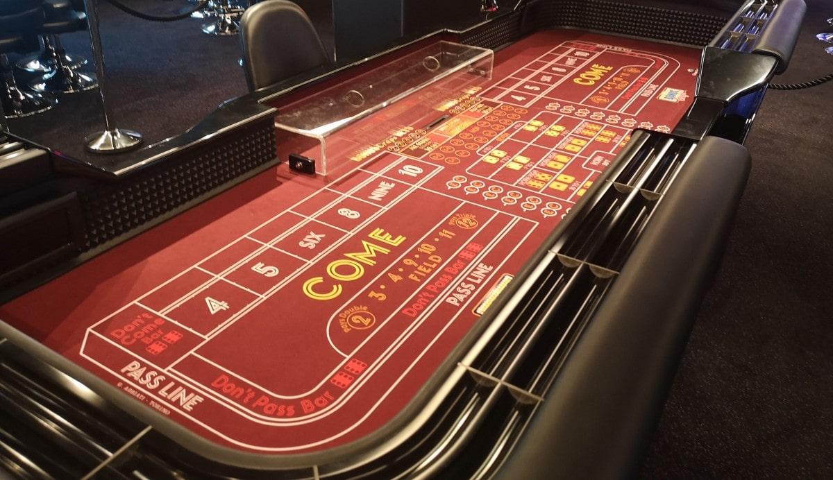 Scarlet Lady Casino Machines Games