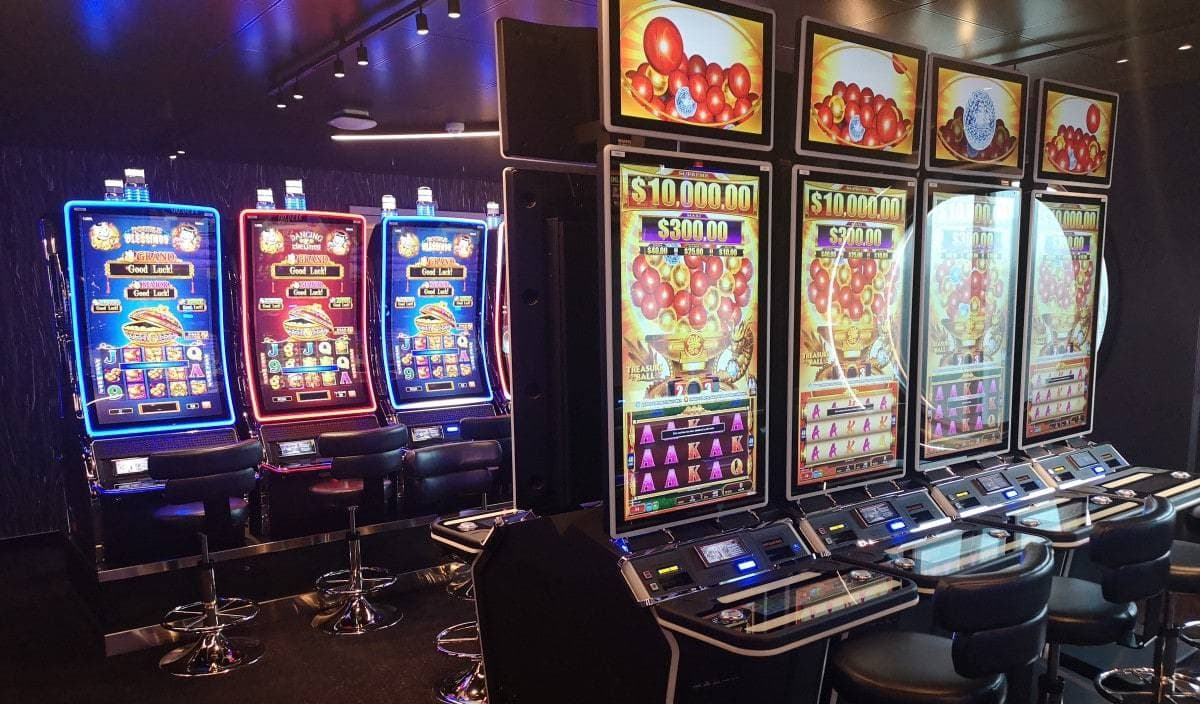 Scarlet Lady Casino Machines Games