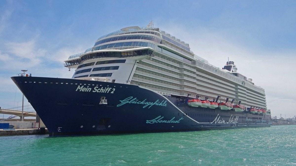 mein schiff cruise ship 2