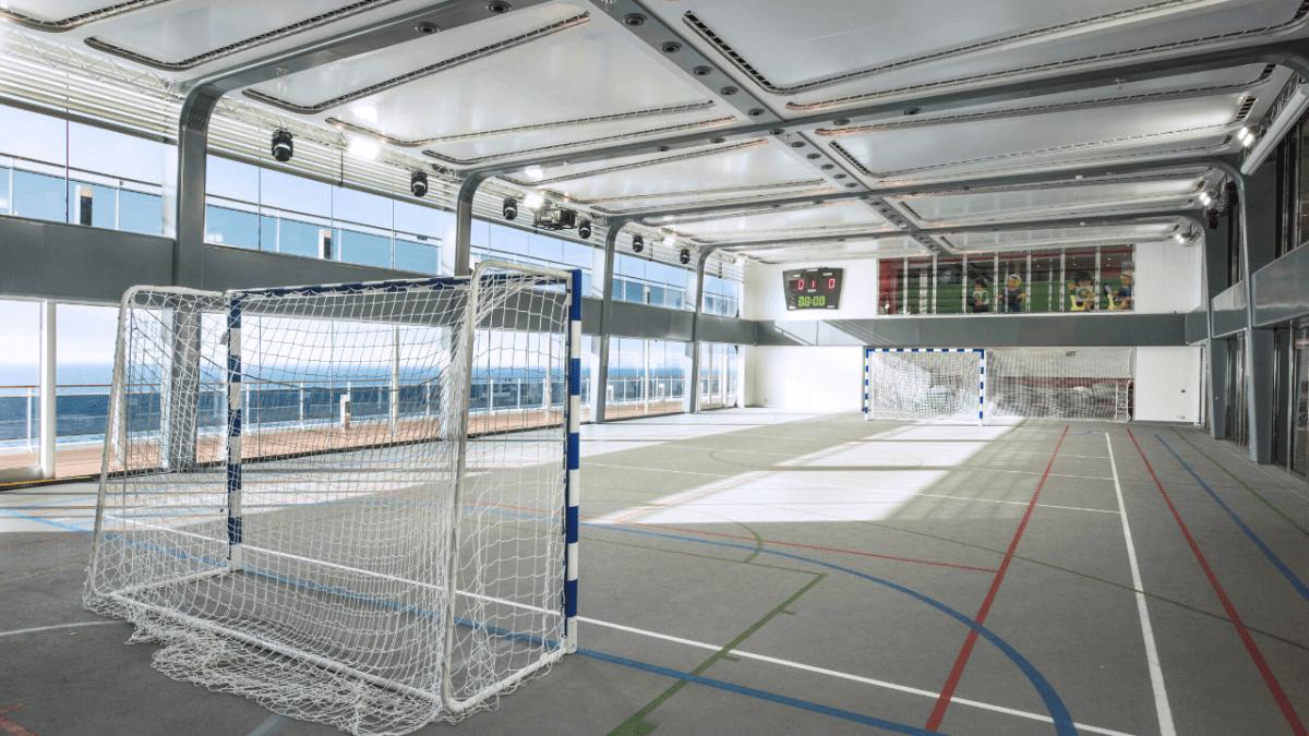 msc meraviglia sports court