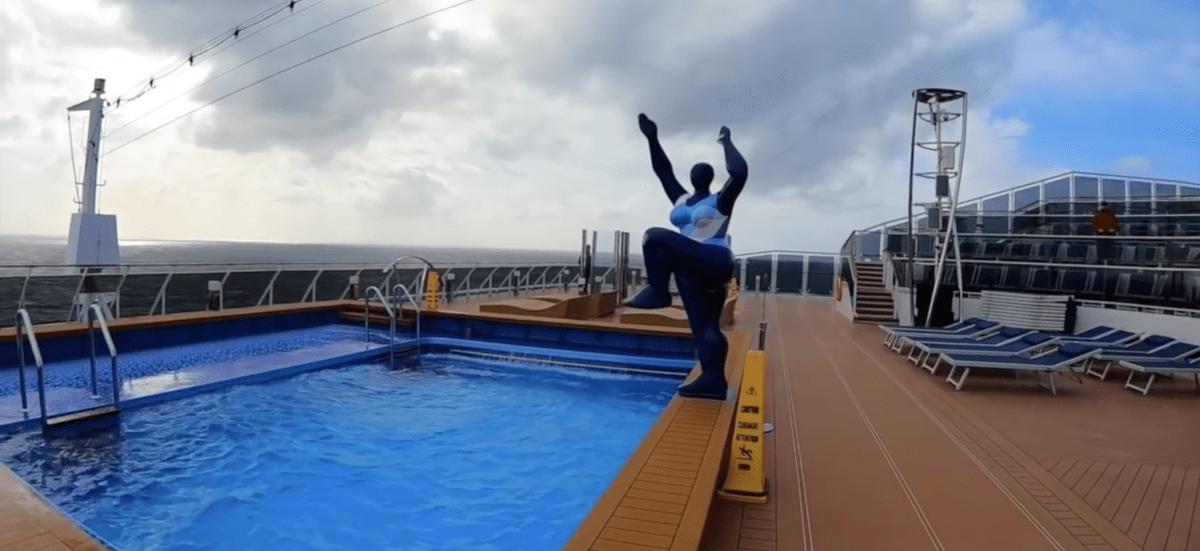msc meraviglia swimming pool aft
