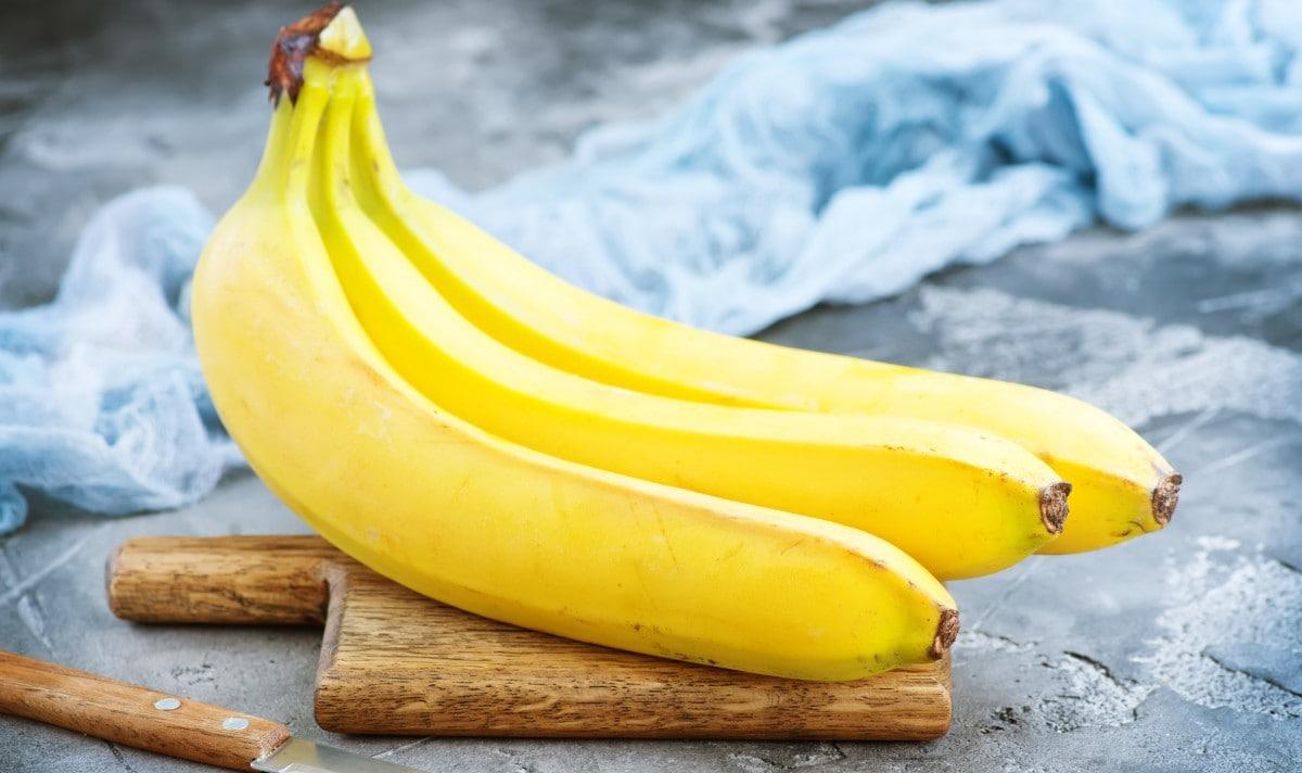 bananas on ships