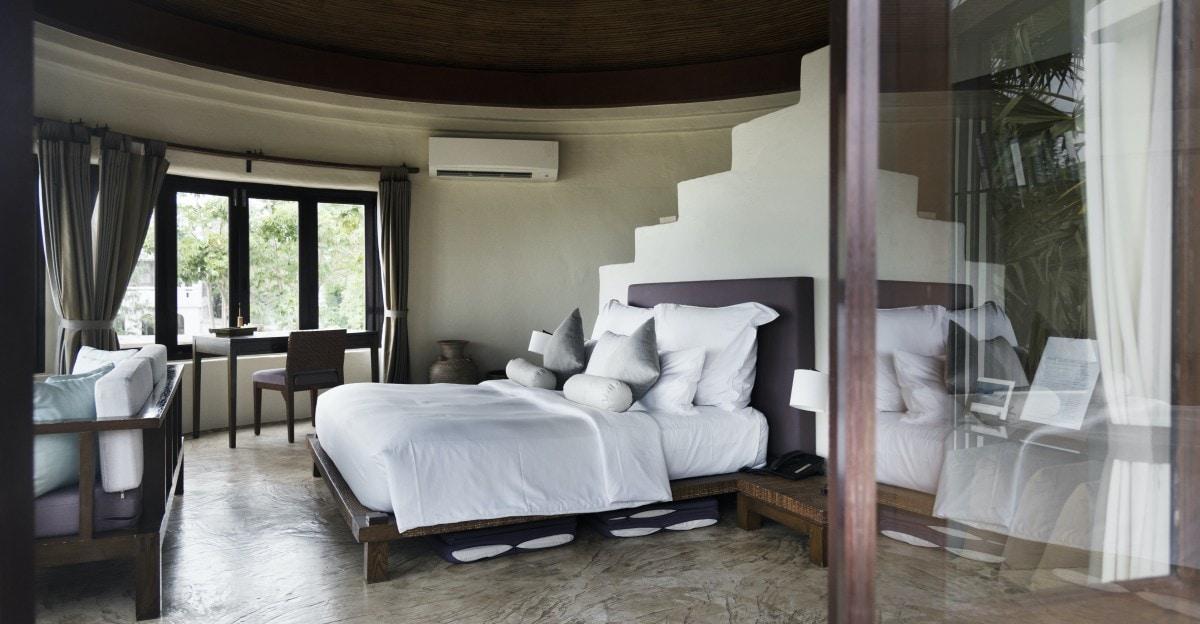 hotel resort room