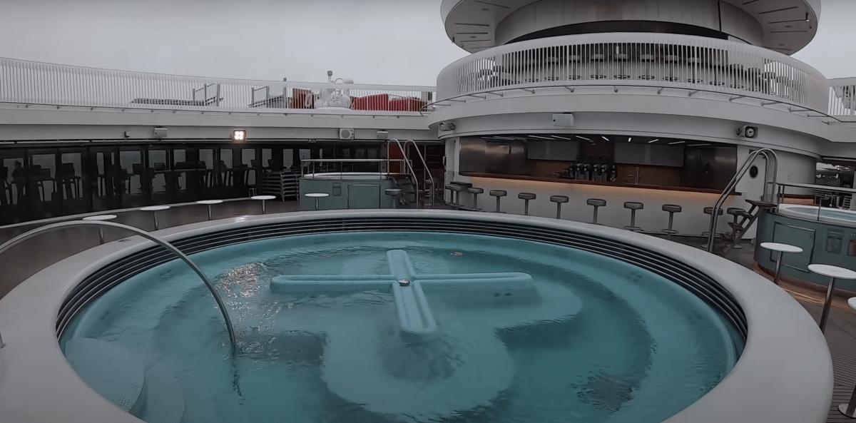 virgin voyages scarlet lady whirlpool