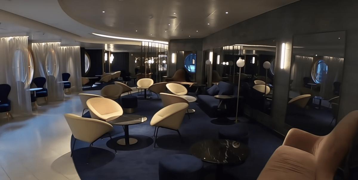 virgin voyages scarlet lady bar lounge